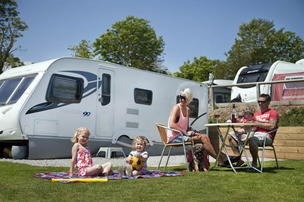 5 Advantages Of Hiring A Caravan When Going On Vacation