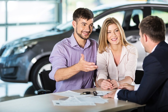 6 Helpful Tips For Buying Your First Car